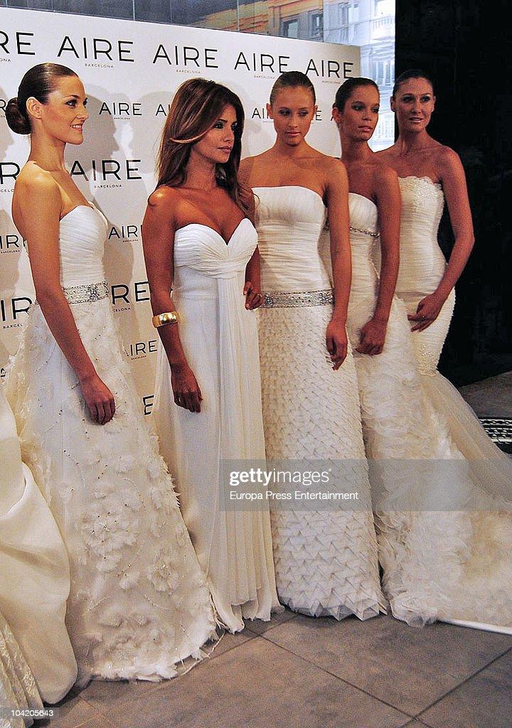 Spanish Actress Monica Cruz Also Sister Of Penelope Presents Rosa Clara New Wedding