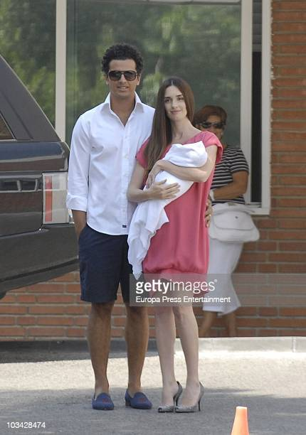 Spanish actress Paz Vega presents her newborn child Lenon with husband Orson Salazar on August 18 2010 in Madrid Spain Lenon Salazar Vega was born on...