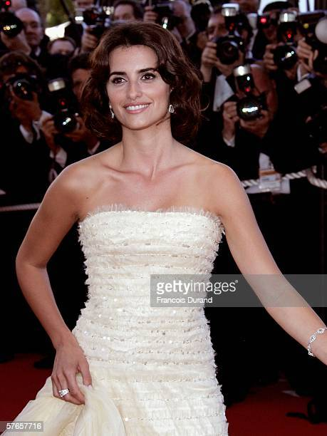Spanish actress Penelope Cruz attends the 'Volver' premiere at the Palais des Festivals during the 59th International Cannes Film Festival May 19...