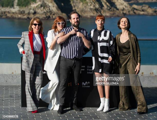 Spanish actresses Natalia de Molina Eva Llorach director Carlos Vermut actresses Najwa Nimri and Carmen Elias pose during a photocall to promote the...
