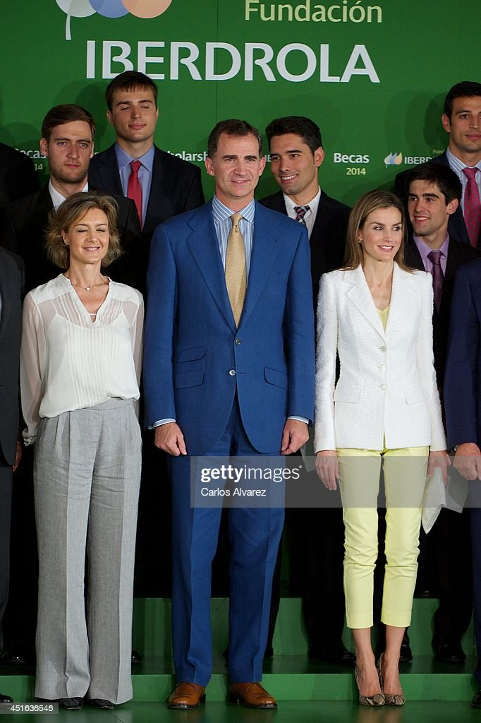 King Felipe VI and Queen Letizia Deliver Investigation Scholarships at Iberdrola Foundation : News Photo