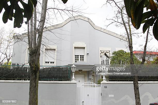 Spanish Civil Guard officers are seen during a registration at Mario Conde's house on April 11 2016 in Madrid Spain Former Chairman of Banesto Mario...