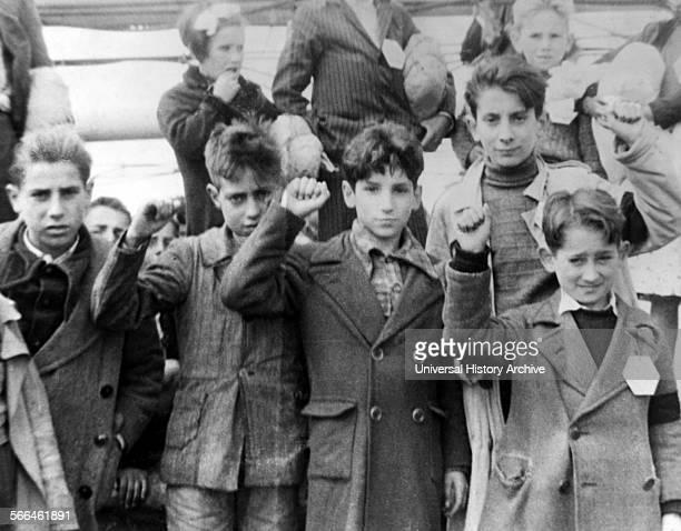 Spanish civil war republican children salute 1937