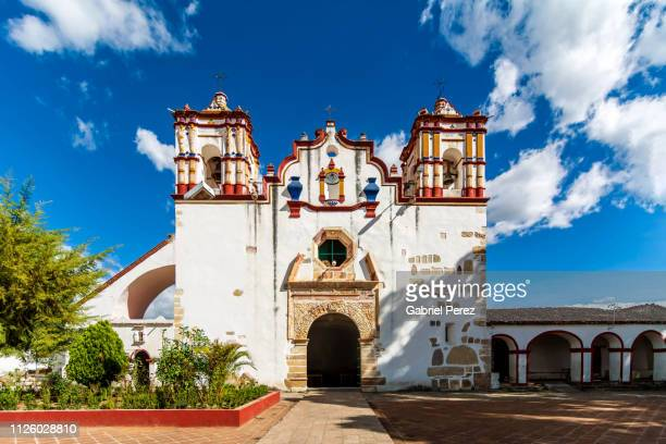 a spanish colonial catholic church in oaxaca - oaxaca stock pictures, royalty-free photos & images