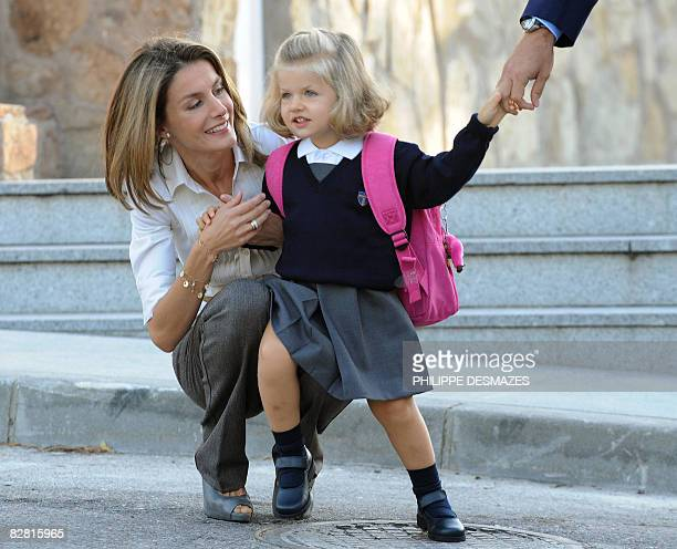 Spanish Crown Prince Felipe and Princess Letizia drop off their daughter Leonor on her first day at school in Madrid on September 15, 2008. AFP PHOTO...