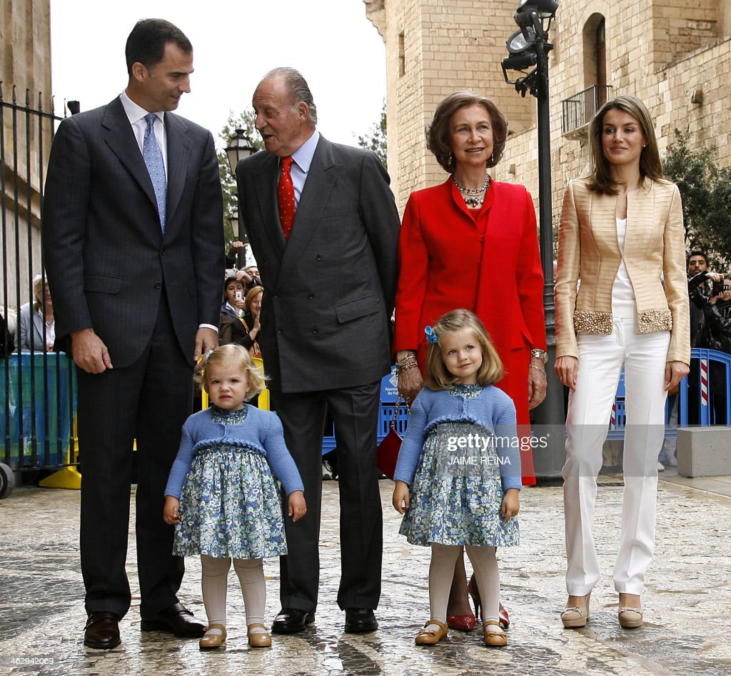SPAIN-RELIGION-HOLY-WEEK-ROYALS-KING-JUAN-CARLOS : News Photo