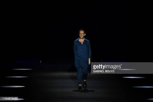 Spanish designer Ulises Merida aknowledges applauses after presenting his Spring/Summer 2020 collection during the Mercedes Benz Fashion Week in...
