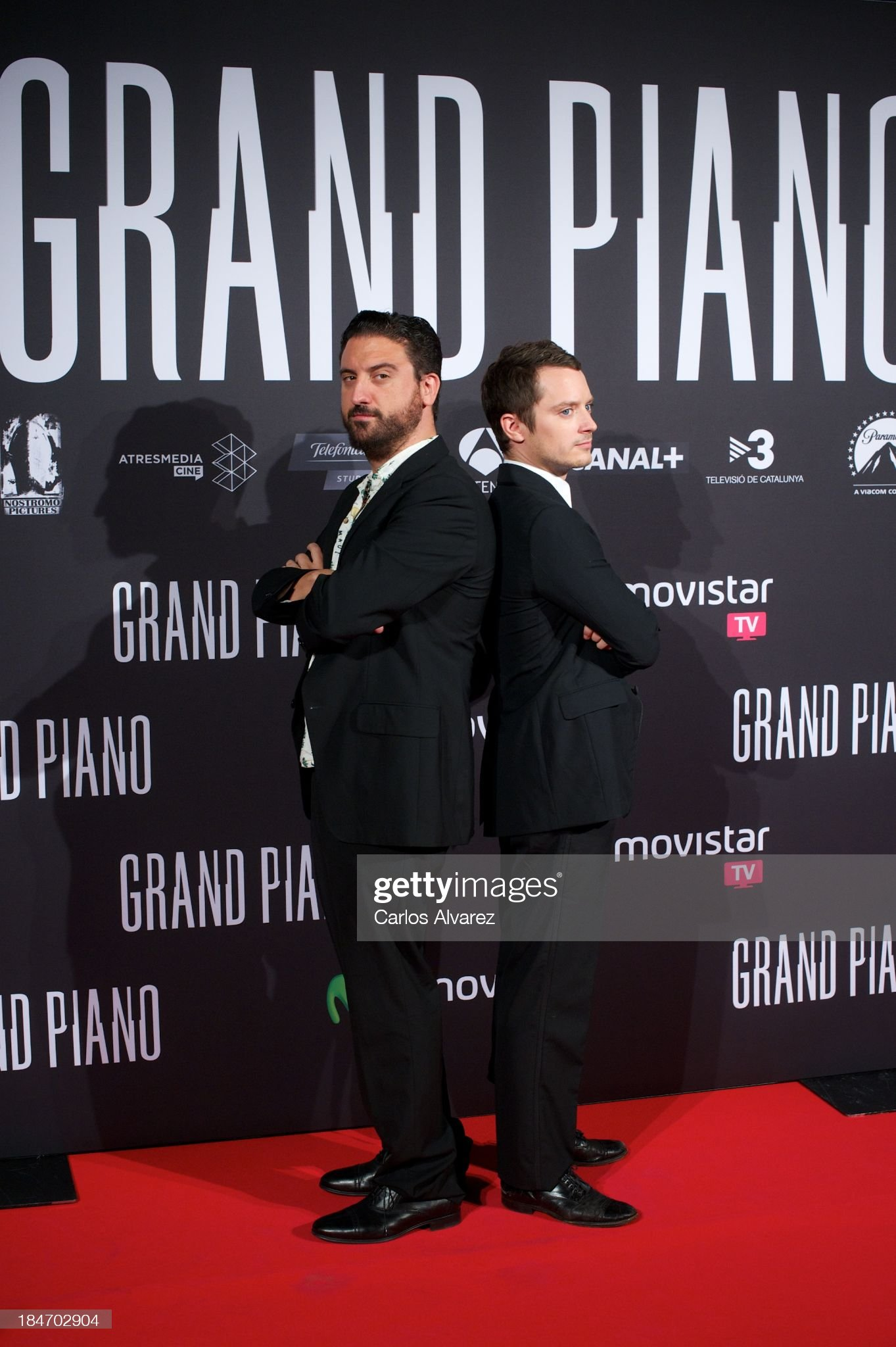 ¿Cuánto mide Eugenio Mira? - Altura Spanish-director-eugenio-mira-and-actor-elijah-wood-attend-grand-at-picture-id184702904?s=2048x2048