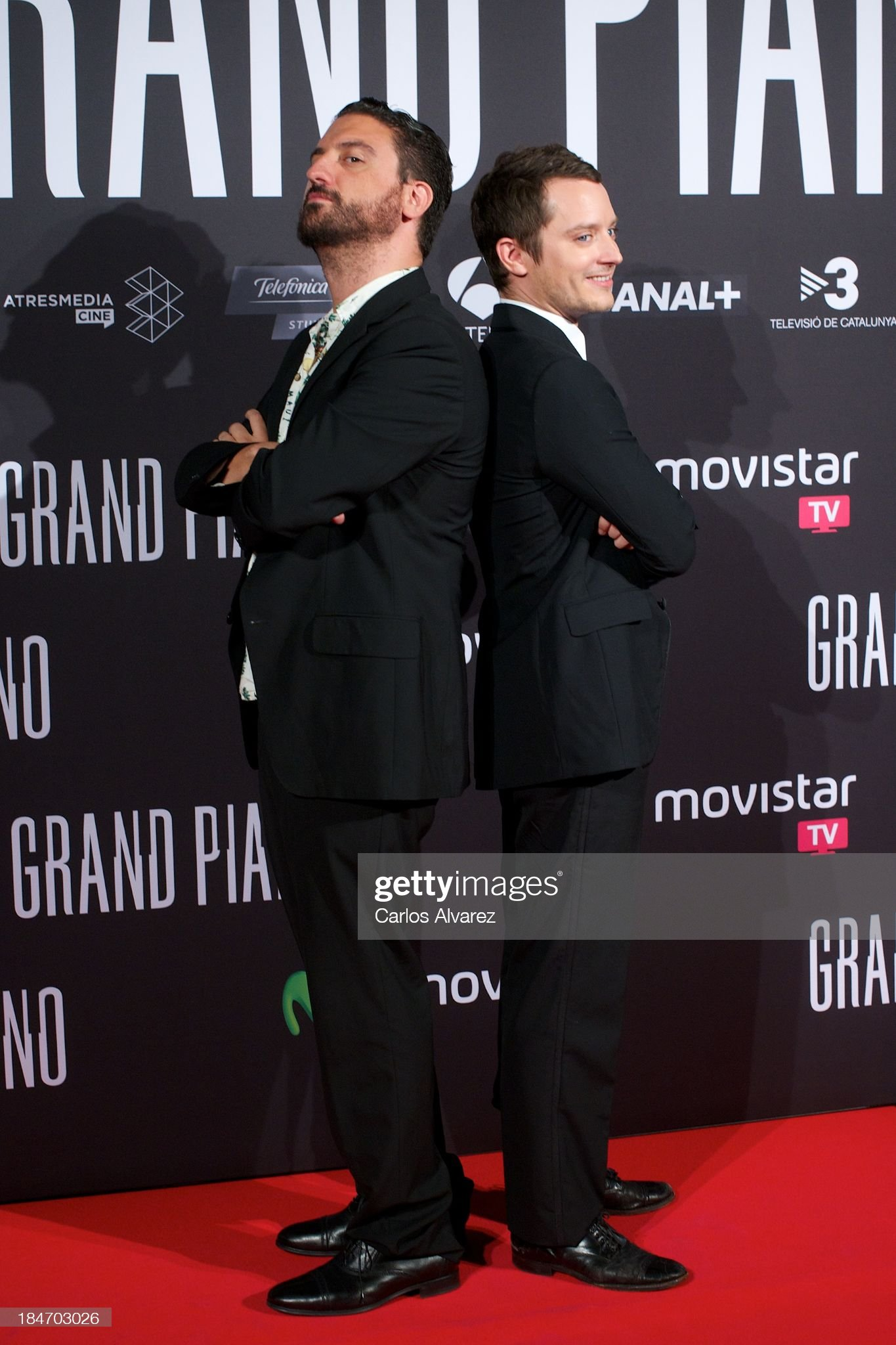 ¿Cuánto mide Eugenio Mira? - Altura Spanish-director-eugenio-mira-and-actor-elijah-wood-attend-grand-at-picture-id184703026?s=2048x2048