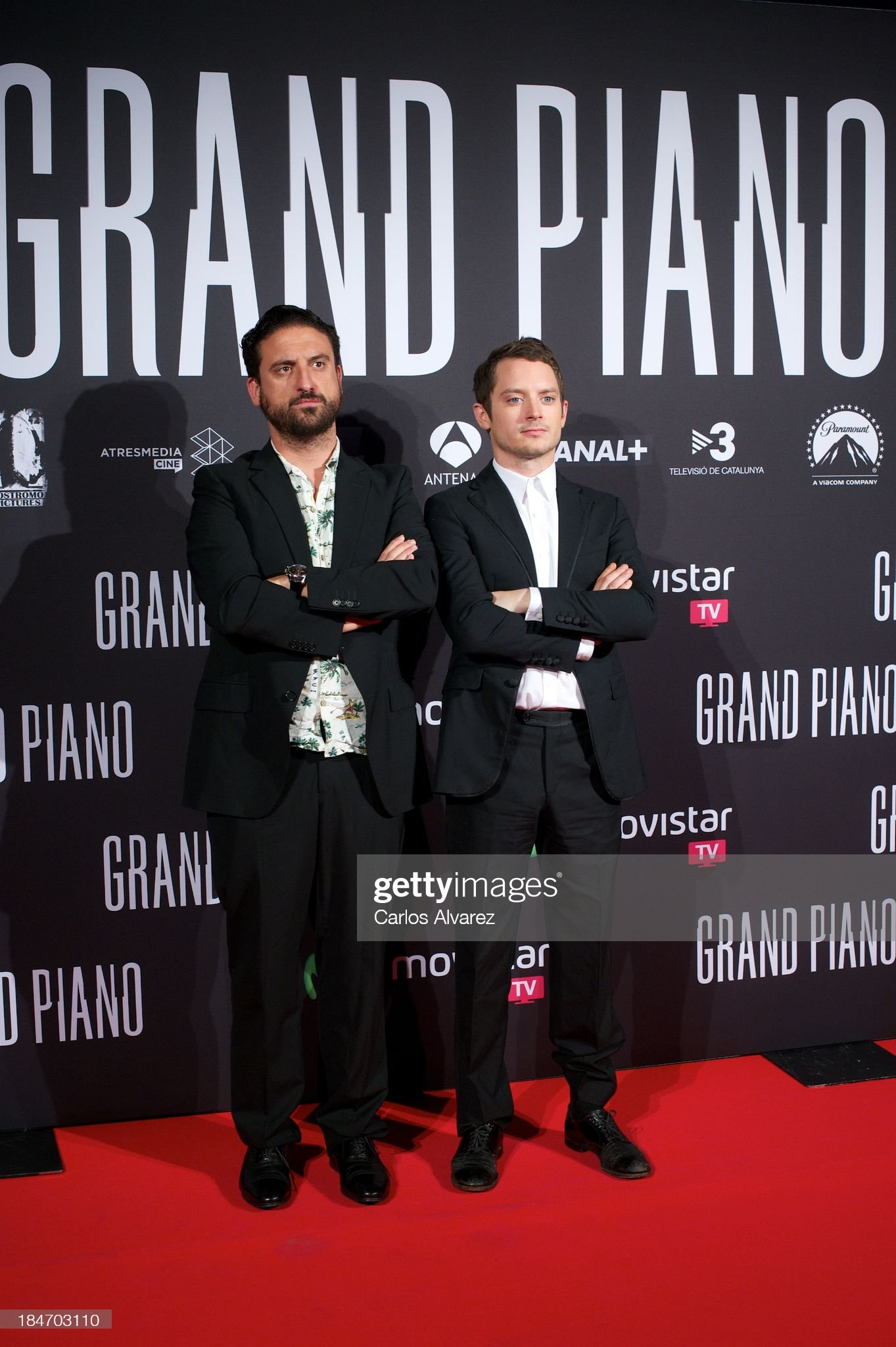 ¿Cuánto mide Eugenio Mira? - Altura Spanish-director-eugenio-mira-and-actor-elijah-wood-attend-grand-at-picture-id184703110?s=2048x2048