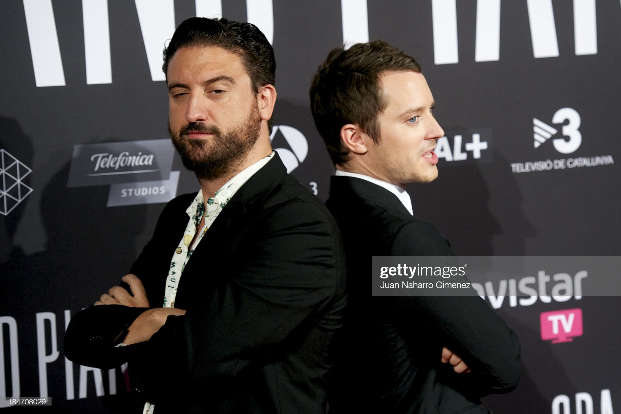 ¿Cuánto mide Eugenio Mira? - Altura Spanish-director-eugenio-mira-and-actor-elijah-wood-attend-grand-at-picture-id184708029?s=2048x2048