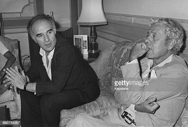 Spanish film director Luis García Berlanga and French actor Michel Piccoli at a press conference in Rome to present their film 'Grandeur nature'...