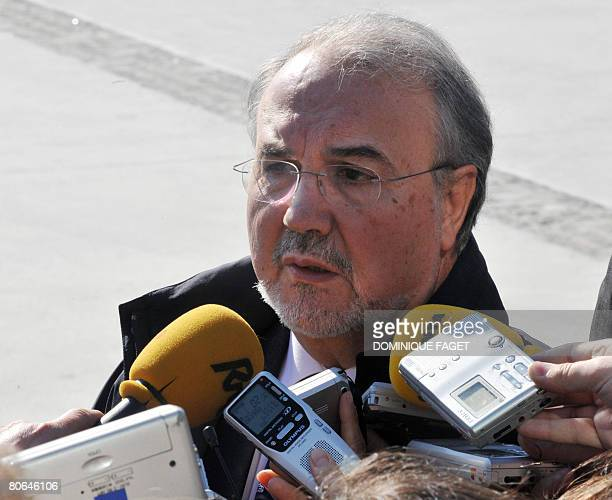 Spanish Finance Minister Pedro Solbes talks with the press before an informal meeting of Eurogroup finance ministers on April 04 at the conference...