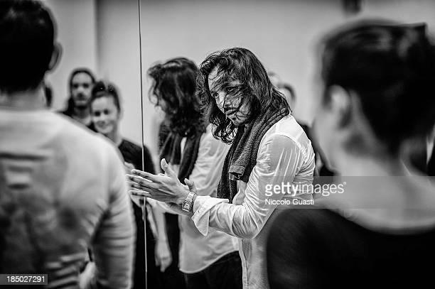 Spanish flamenco dancer Juan Montoya 'Farruquito' reacts during a class in the 'Flamenco por el mundo' School in Seville on October 16 2013 in...
