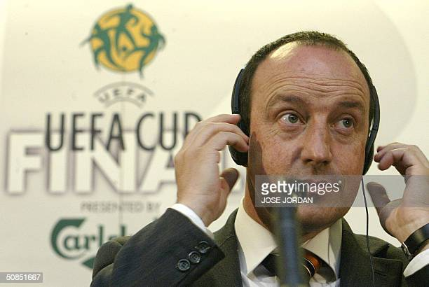 Spanish football club Valencia's coach Rafael Benitez gives a press conference at the Ullevi Stadium in Goteborg 18 May 2004 on the eve of their UEFA...