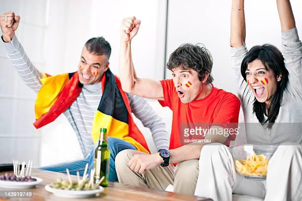 spanish football supporters - football in spain stockfoto's en -beelden