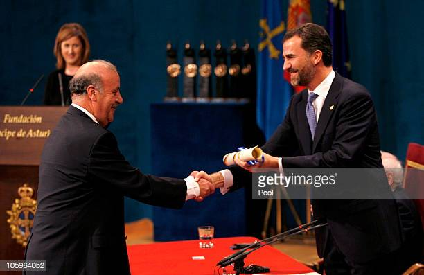Spanish football team coach Vicente del Bosque receives the Prince of Asturias Award for Sports from Spain's Prince Felipe during Prince of Asturias...