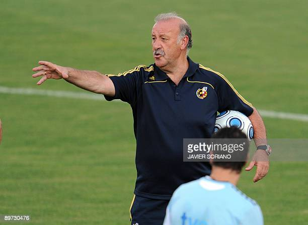 Spanish football team head coach Vicente del Bosque gestures during a training session at Las Rozas Sport City near Madrid on August 10 2009 Spain...
