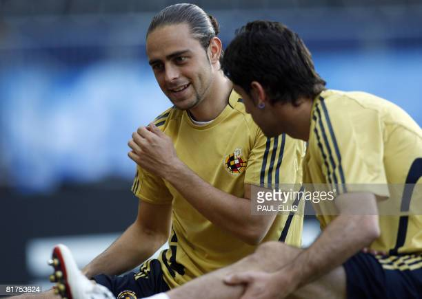 Spanish forward Sergio Garcia stretches during a training session on June 28 2008 at ErnstHappel stadium in Vienna Germany will play against Spain...