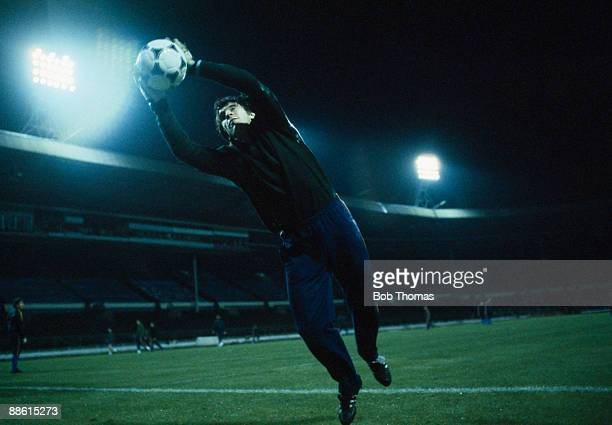 Spanish goalkeeper Luis Arconada training at Wembley Stadium the night before the International friendly between England and Spain 24th March 1981