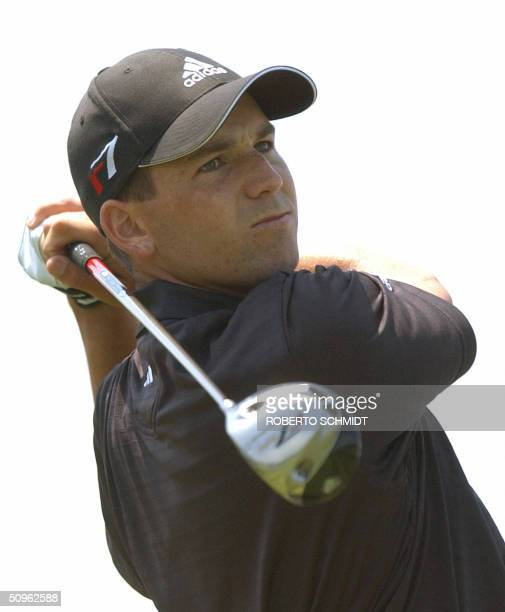 Spanish golfer Sergio Garcia hits a drive during the second day of practice in preparation for the 2004 US Open Championship at Shinnecock Hills Golf...