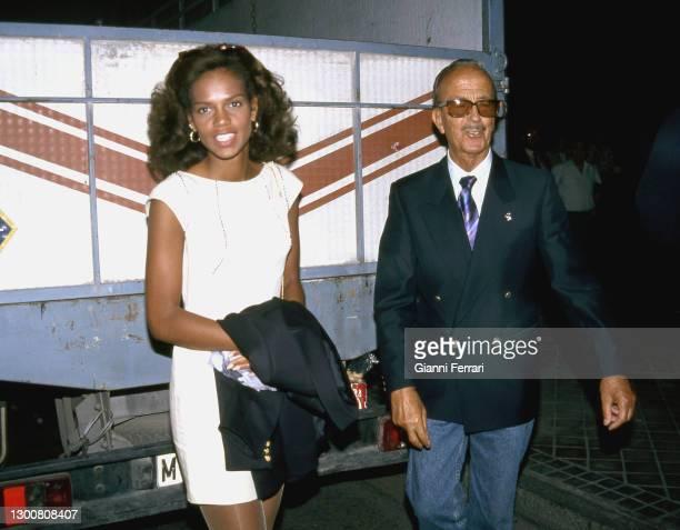 "Spanish gynaecologist Julio Iglesias Puga ""Papuchi"" , father of Spanish singer Julio Iglesias, with his wife Ronna Keith, Madrid, Spain, 1988."