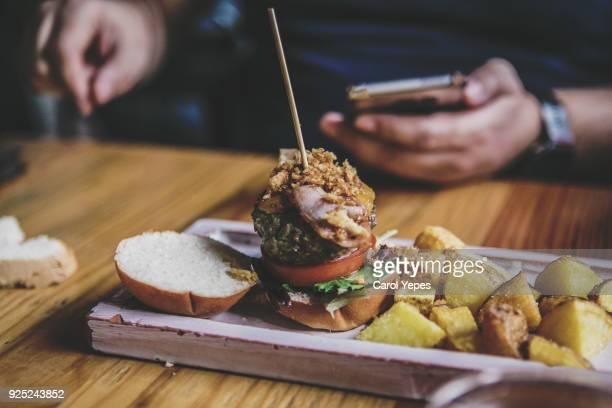 spanish  hamburguer tapa in a bar, seville ,spain - comida de pub - fotografias e filmes do acervo