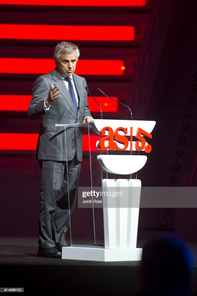 Spanish International Olympic Committee (IOC) vice president Juan Antonio Samaranch delivers a speech during the Homage to Spanish Olympic Medalists at Sala Oval at Museu Nacional d'Art de Catalunya on July 13, 2017 in Barcelona, Spain.