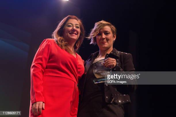 Spanish journalist Cristina Pardo picks up her prize during the 7th independent awards Seventh edition of the Independent Awards of the political...
