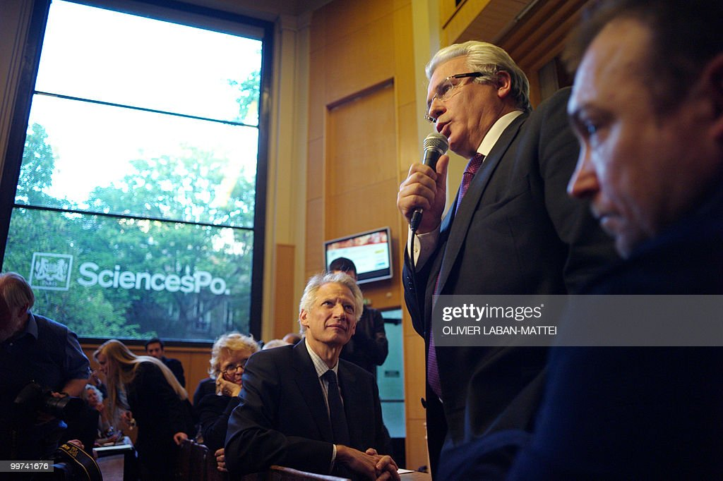 Spanish judge Baltasar Garzon (2nd R) delivers a speech as French former Prime Minister Dominique de Villepin (C) and French former investigating magistrate Eva Joly (4th R) listen, during an award ceremony for the Rene Cassin Freedom and Democracy prize at Sciences Po Paris (Institute of Political Studies), on May 17, 2010. Garzon was suspended from his post on May 14, 2010 ahead of his trial for abuse of power linked to a probe of Franco-era crimes.