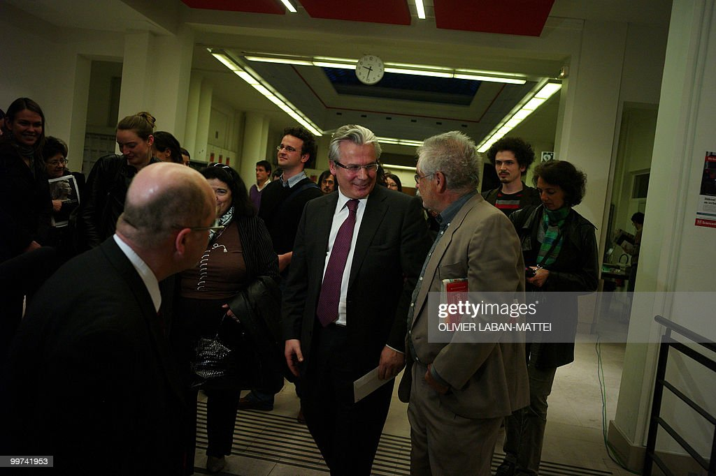 Spanish judge Baltasar Garzon (C) leaves the Sciences Po Paris Institute (Institute of Political Studies) after being awarded the Rene Cassin Freedom and Democracy prize on May 17, 2010 in Paris. Garzon was suspended from his post on May 14, 2010 ahead of his trial for abuse of power linked to a probe of Franco-era crimes.