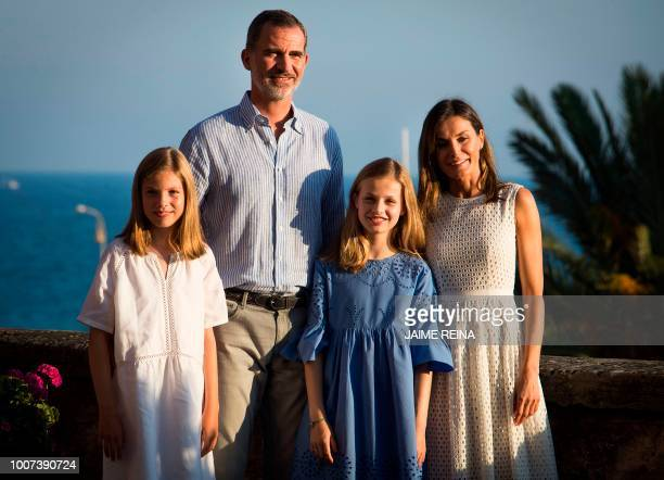 Spanish King Felipe VI and Queen Letizia pose with their daughters Spanish Crown Princess Leonor and Princess Sofia at the Almudaina Palace on the...