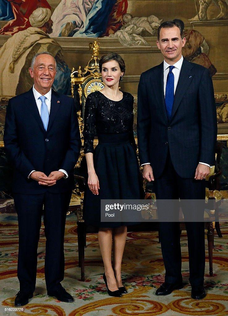 Spanish Royals Receives Portugal President : News Photo