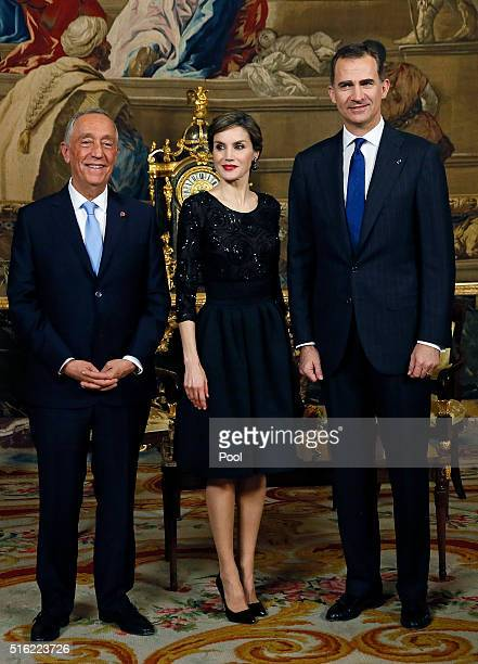 Spanish King Felipe VI and Queen Letizia receive Portugal president Marcelo Rebelo de Sousa during an royal audience before a gala dinner held at the...
