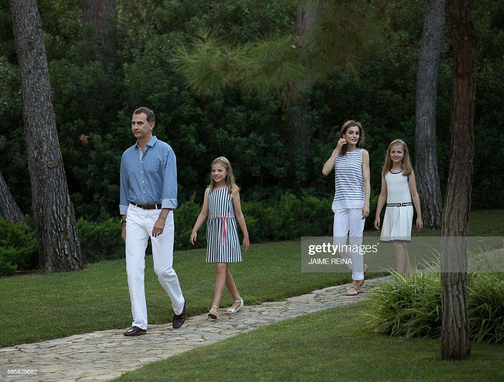 SPAIN-ROYALS-HOLYDAYS : News Photo