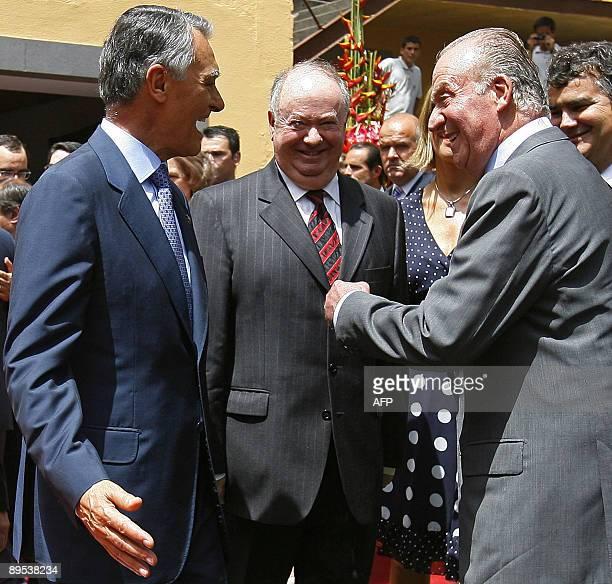 Spanish King Juan Carlos Portugal's President Anibal Cavaco Silva and Madeira Island President Alberto Joao Jardim share a laugh during their visit...