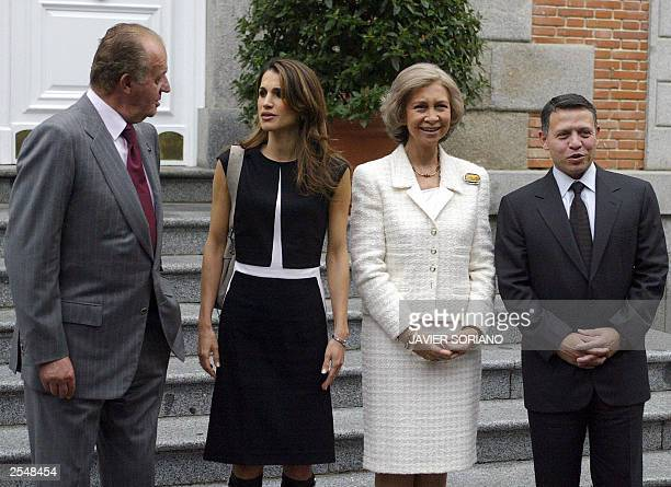 Spanish King Juan Carlos Queen Sofia Jordanian King Abdallah Ben Husein and Queen Rania Yassine pose for the photographers in front of Zarzuela...