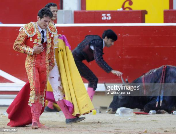 Spanish matador Joselillo gestures after killing his second bull during the San Fermin festival on July 11 in Pamplona northern Spain AFP PHOTO / A...