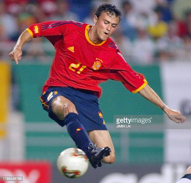 Spanish midfielder Luis Enrique stops the ball in action against Ireland in their second round match at the 2002 FIFA World Cup Korea/Japan in Suwon...