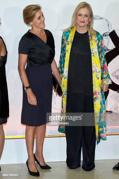 Spanish Minister of Defence Maria Doroles de Cospedal and President of the Community of Madrid Cristina Cifuentes attend the 'Mariano de Cavia' 'Luca...