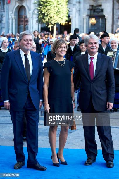 Spanish Minister of Education Culture and Sports Inigo Mendez de Vigo and Spanish Foreign Affairs and Cooperation Minister Alfonso Dastis attend the...