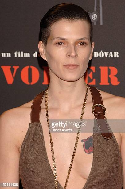 "Spanish model Bimba Bose attends the Spanish premiere for ""Volver"" at the Palacio de la Musica Cinema on March 16, 2006 in Madrid, Spain."