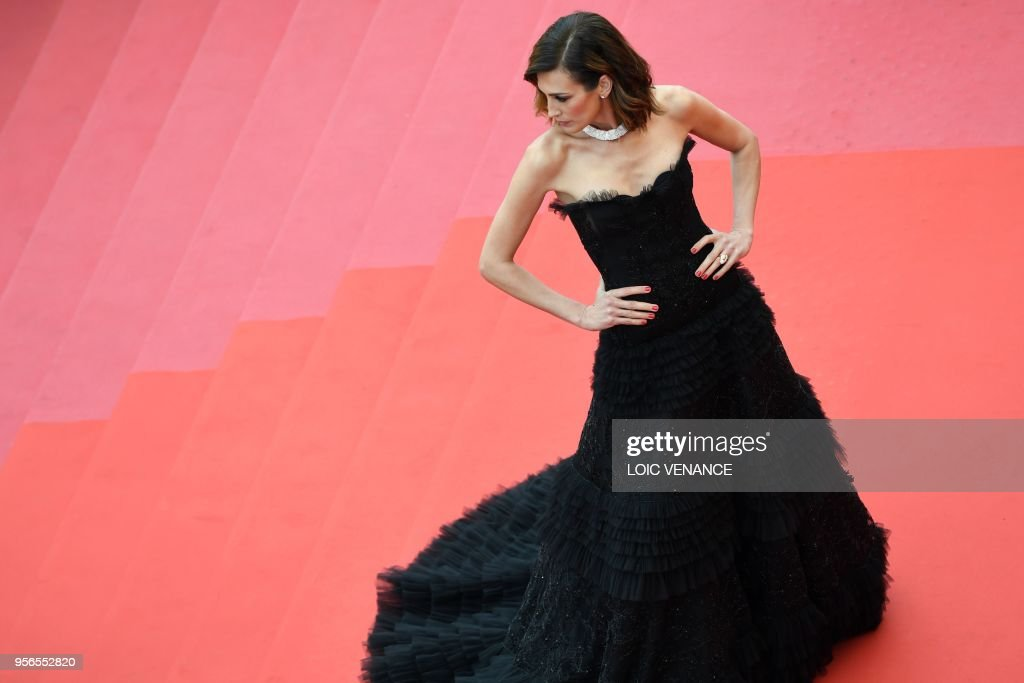 Spanish model Nieves Alvarez poses as she arrives on May 9, 2018 for the screening of the film 'Yomeddine' at the 71st edition of the Cannes Film Festival in Cannes, southern France.