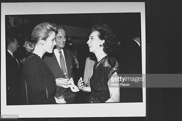 Spanish noblewoman Aline Countess of Romanones chatting w newscaster Deborah Norville her husband Karl Wellner during party at Cafe Society