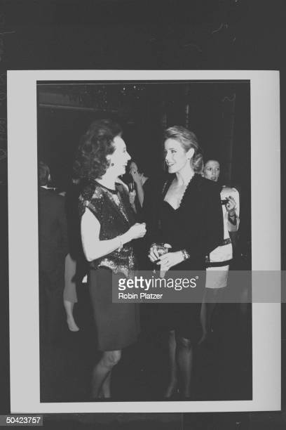 Spanish noblewoman Aline Countess of Romanones chatting w newscaster Deborah Norville during party at Cafe Society
