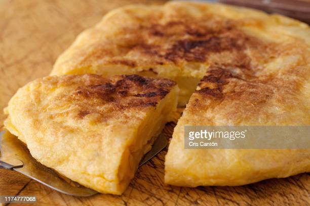 spanish omelet - spanish culture stock pictures, royalty-free photos & images