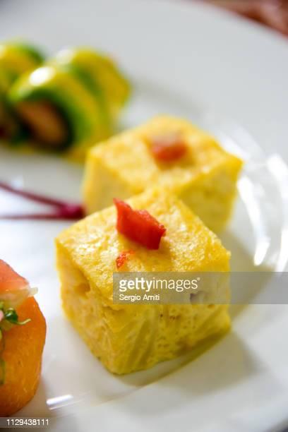 spanish omelette - おかず系 ストックフォトと画像