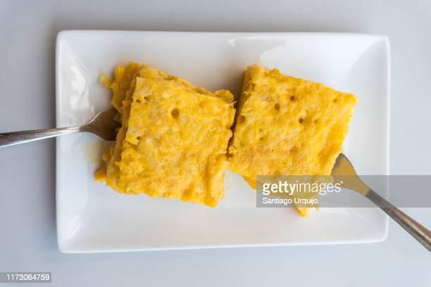 spanish omelette tapa - tortilla de patata fotografías e imágenes de stock