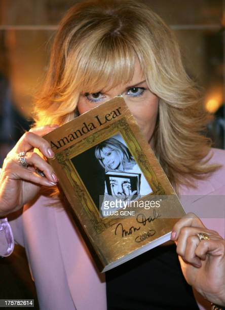 Spanish painter Salvador Dalí's muse French model turned pop singer Amanda Lear presents 13 December 2004 in Barcelona her book 'Mon Dali' which...