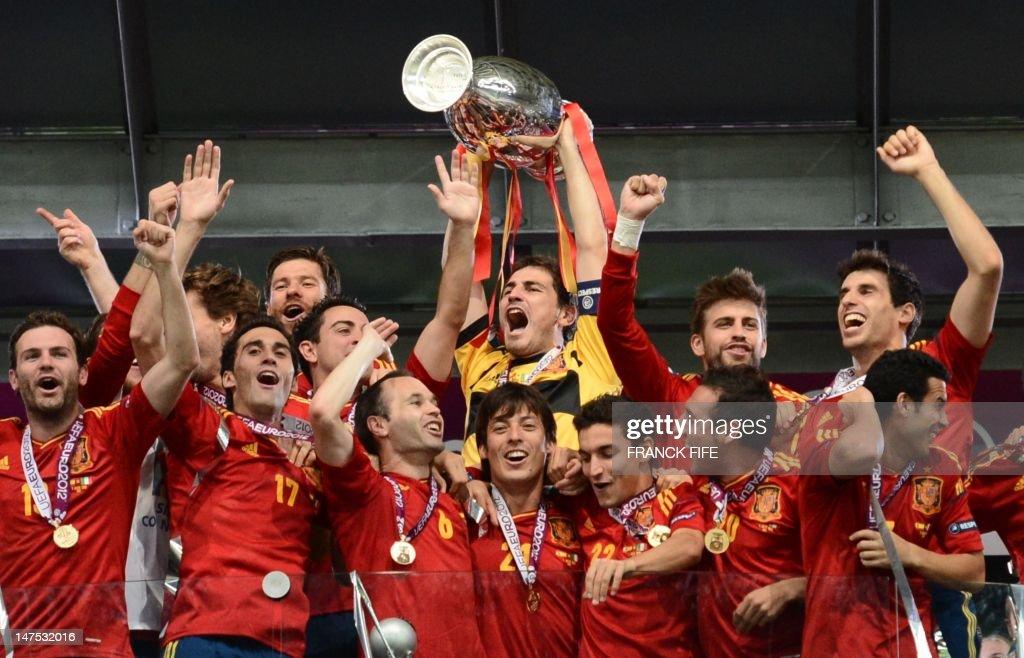 FBL-EURO-2012-ESP-ITA-MATCH31 : News Photo